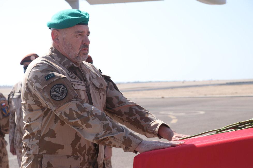 Velitel Velitelství pro operace generálporučík Josef Kopecký.