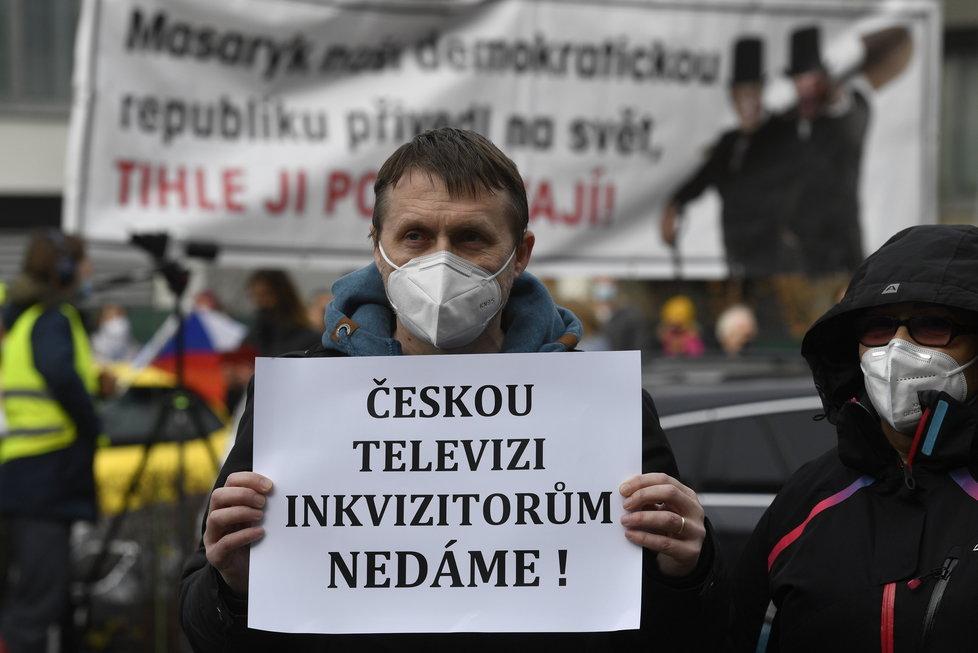 Protest za nezávilost České televize před budovou ČT na Kavčích horách (17.11.2020)