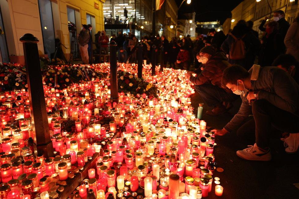 Záplava svíček na Národní třídě (17.11.2020)