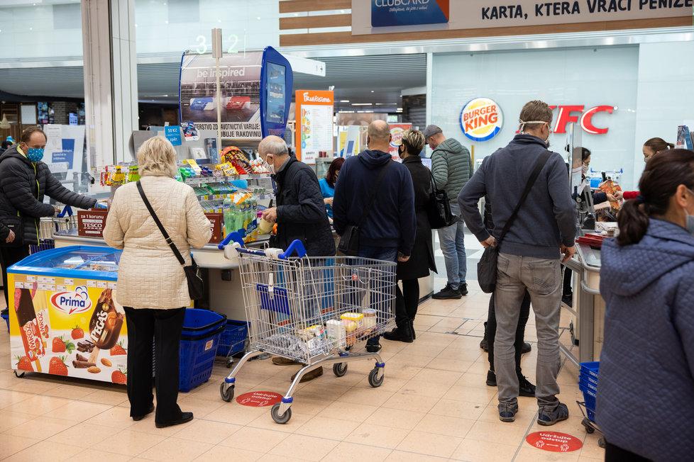 Koronavirus v ČR: Nákupy během pandemie covid-19 (listopad 2020)