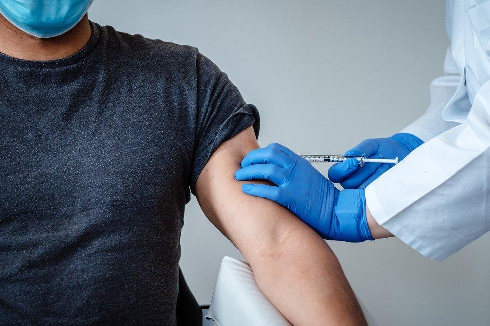 Vakcína od BioNTechu a Pfizeru dokončila klinické testy jako první.