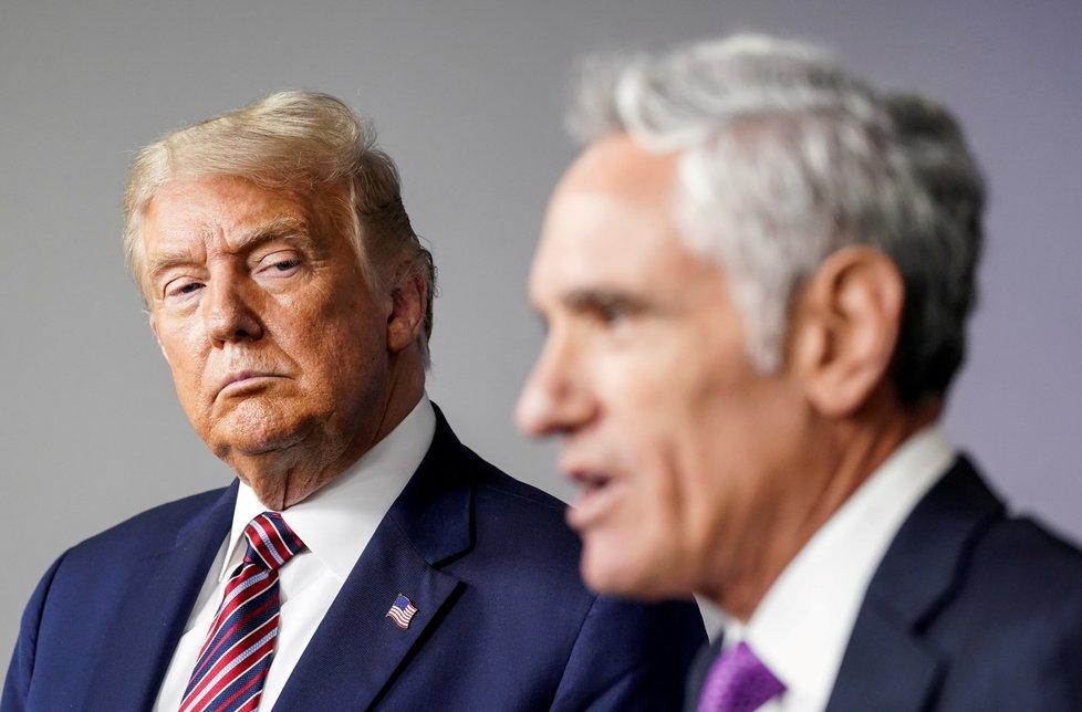 Zvláštní poradce amerického prezidenta Donalda Trumpa pro koronavirus Scott Atlas rezignoval.