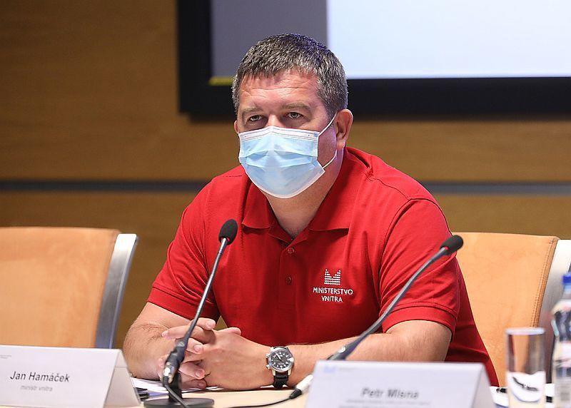 Jan Hamáček (ČSSD) po jednání Ústředního krizového štábu