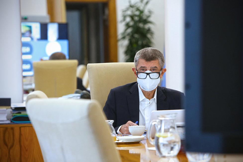 Andrej Babiš (ANO) při jednání vlády