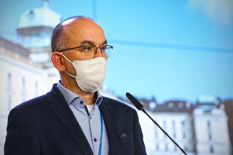 Tiskovka po jednání vlády: Ministr zdravotnictví Jan Blatný (za ANO)