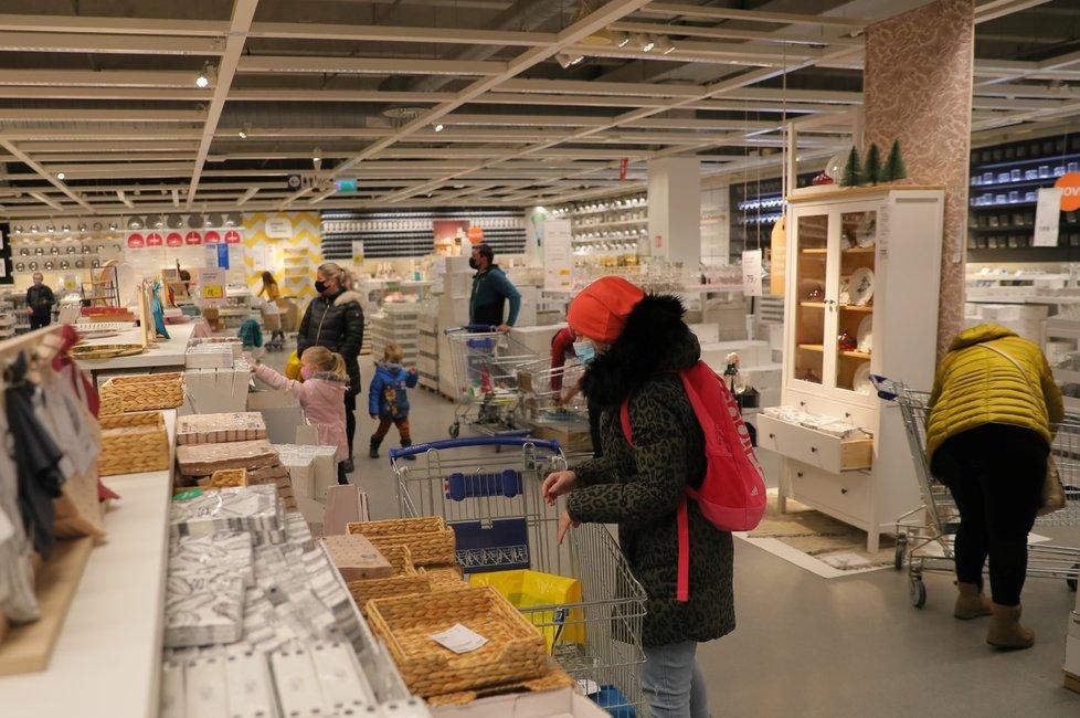 IKEA v Praze na Zličíně po znovuotevření (3. 12. 2020)