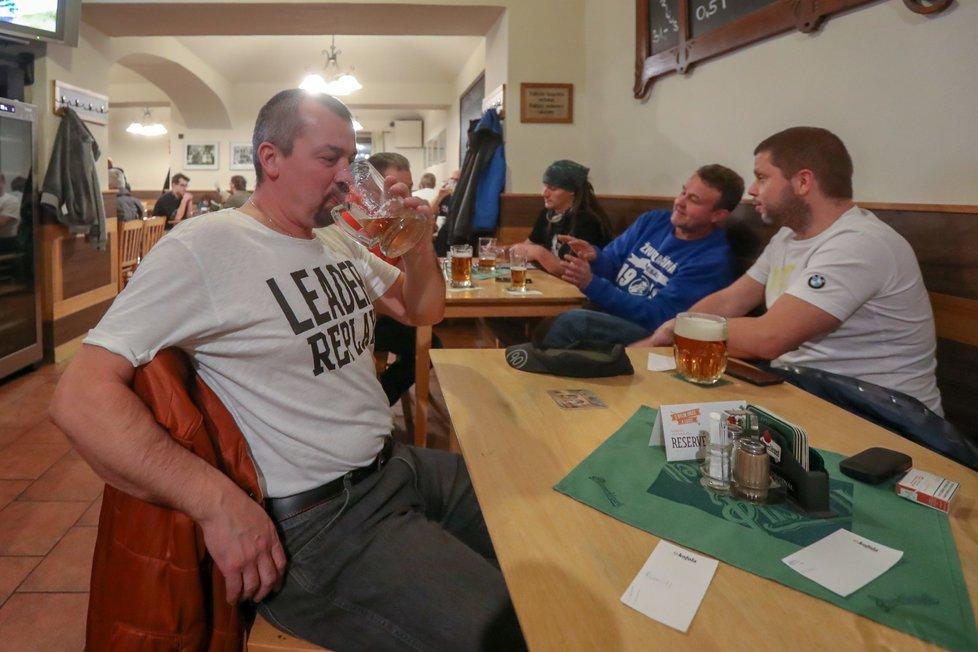 Hospody v Česku po prosincovém znovuotevření