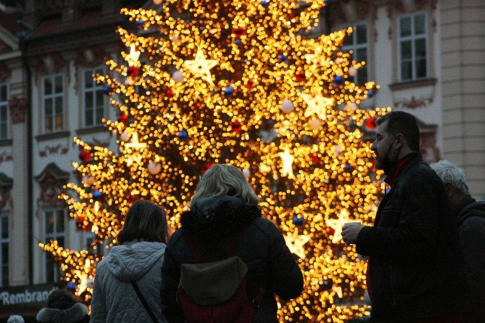Takto to vypadalo v centru Prahy v úterý večer.