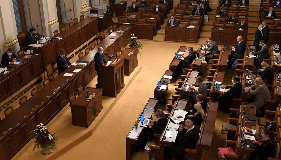 Mimořádná schůze Poslanecké sněmovny k žádosti vlády o souhlas s prodloužením nouzového stavu (9. 12. 2020)
