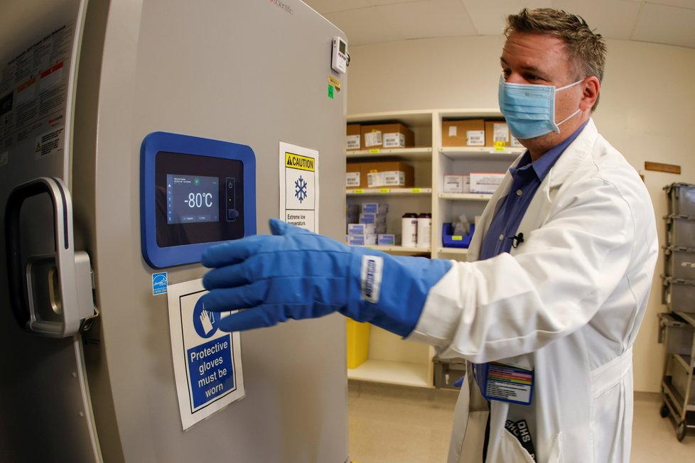 Takto vypadá mrazák, ve kterém se uchovávají vakcíny Pfizeru.
