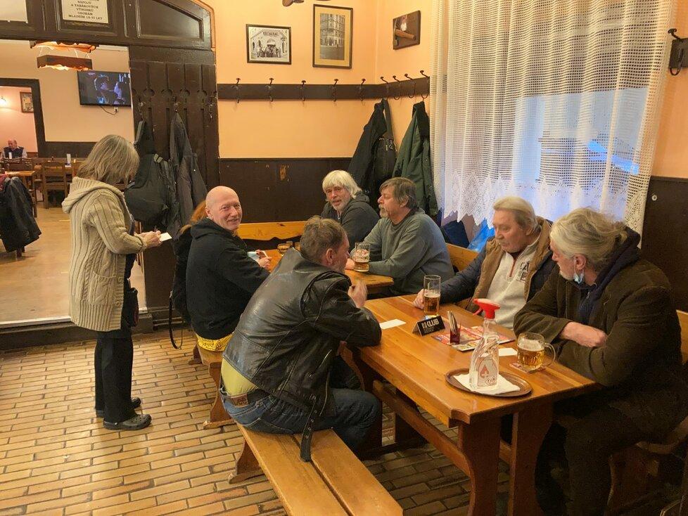 České hospody a restaurace před dalším uzavřením (17. 12. 2020)