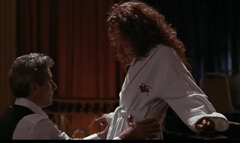 Julia Roberts a Richard Gere ve filmu Pretty Woman: Slavná scéna u klavíru
