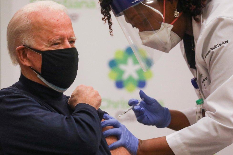 Zvolený prezident USA Joe Biden se nechal naočkovat proti koronaviru (21. 12. 2020)