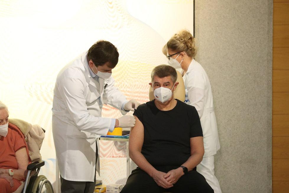 Premiér Andrej Babiš (ANO) se nechal naočkovat vakcínou proti covidu (27.12.2020)
