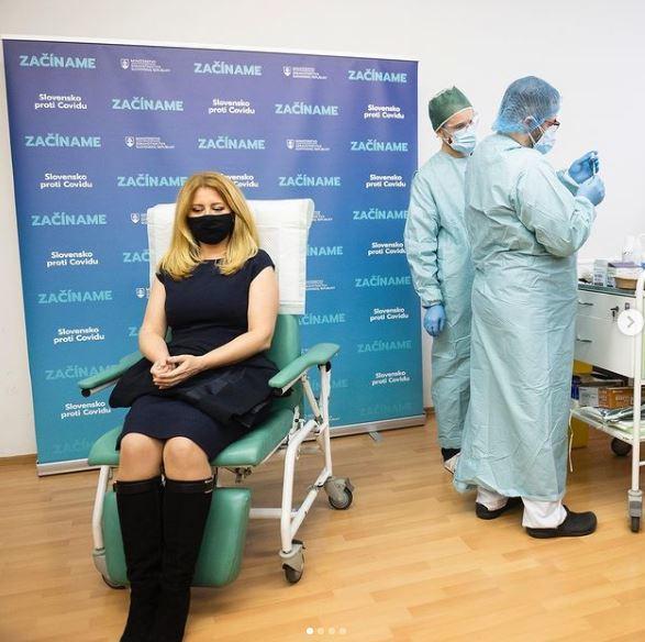 Slovenská prezidentka Zuzana Čaputová se nechala očkovat proti covidu. (27.12.2020)