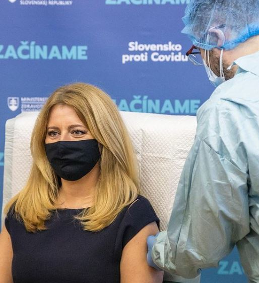 Slovenská prezidentka Zuzana Čaputová se nechala očkovat proti covidu (27.12.2020)