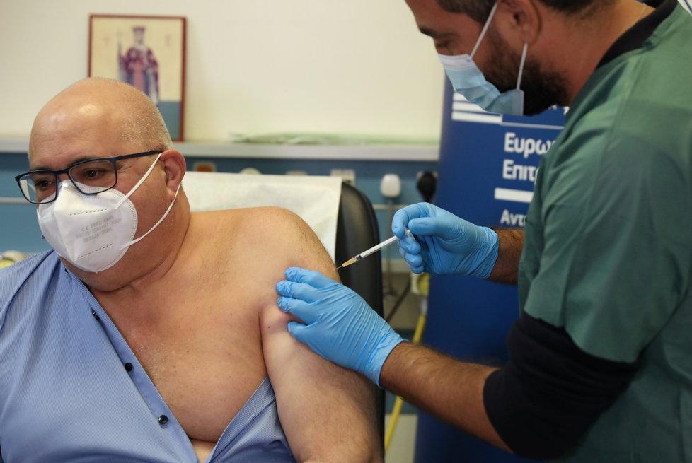 Na Kypru odstartovalo očkování proti koronaviru (27.12.2020)