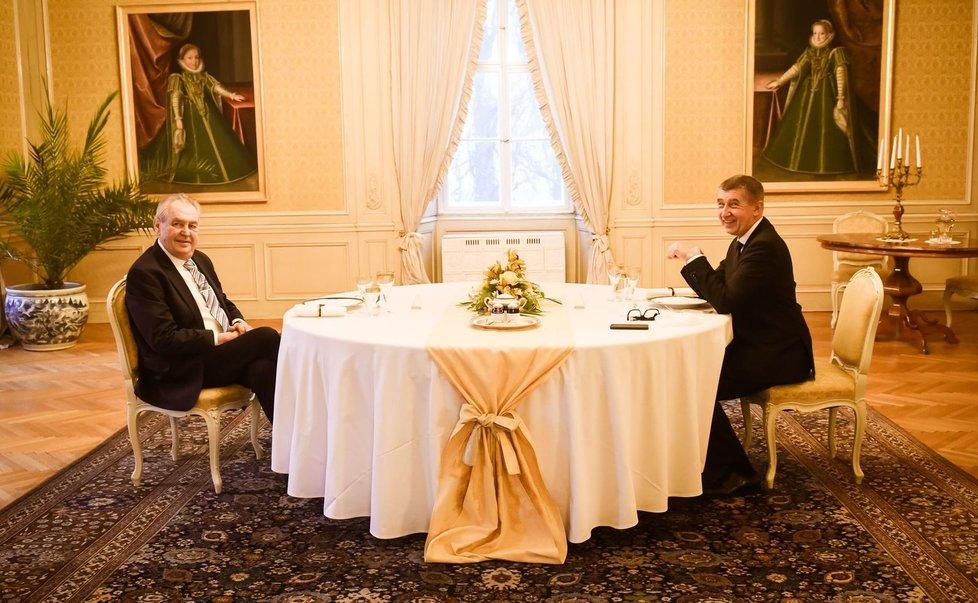 Prezident Miloš Zeman (vlevo) a premiér Andrej Babiš (ANO) na novoročním obědě v Lánech (3. 1. 2021)