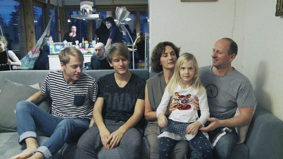 Ester Janečková se svou rodinou