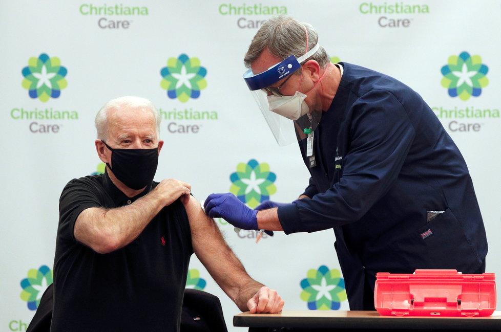 Joe Biden dostal druhou dávku vakcíny proti covidu (11.1.2021)