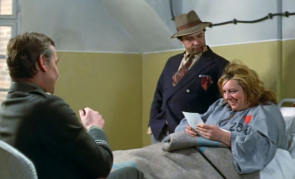 Původní vražedkyni Fany Stubovou hrála Helena Růžičková (†67). Omylem se však nedostala do titulků filmu.