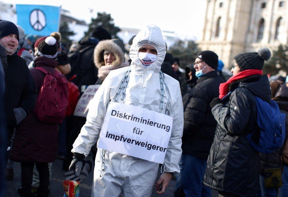 Protest proti vládním opatřením ve Vídni