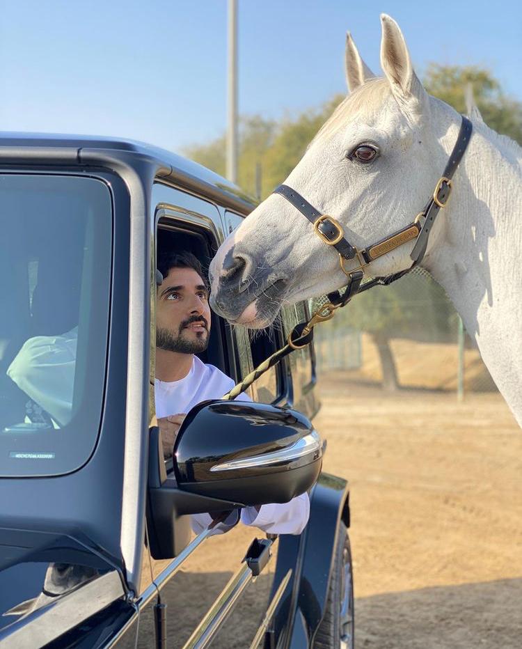 Dubajský korunní princ Hamdan bid Mohammed miluje luxus a adrenalin.