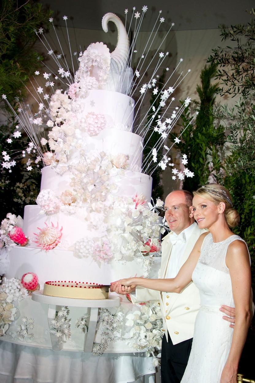 Monacký princ Albert II na své svatbě rozhodně nešetřil.