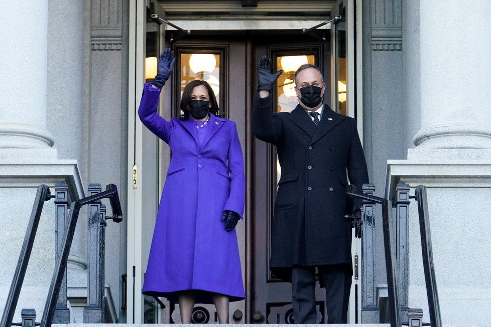 Kamala Harrisová dorazila do Eisenhowerovy budovy, kde má kancelář a jež leží vedle Bílého domu.
