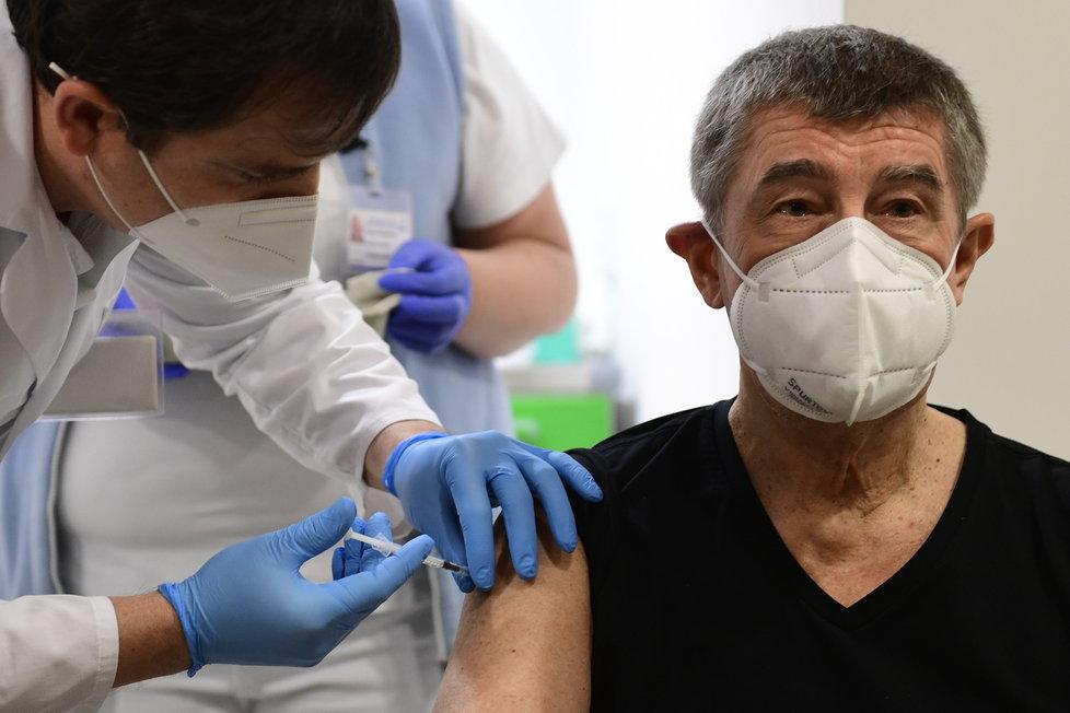 Premiér Andrej Babiš (ANO) dostal druhu dávku vakcíny proti covidu. (24.1.2021)