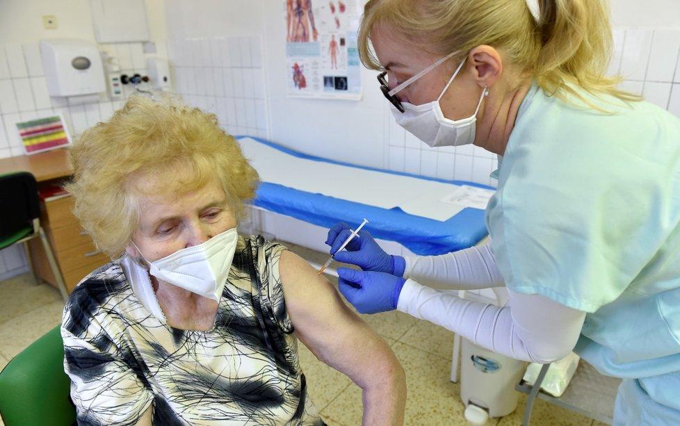 Očkování proti koronaviru v kroměřížské nemocnici (24. 1. 2021)