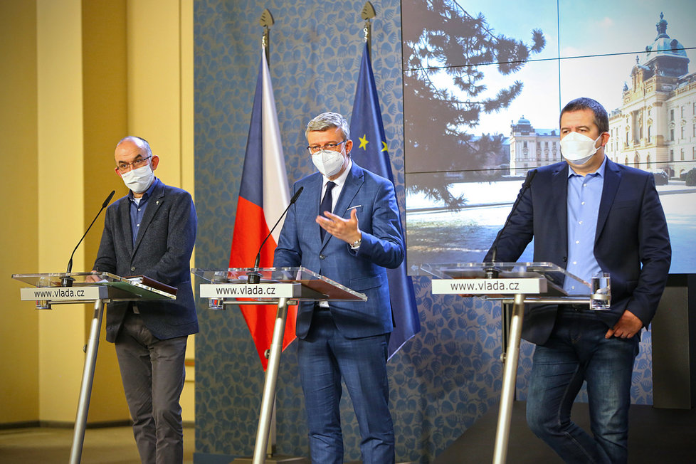 Jan Blatný, Karel Havlíček a Jan Hamáček při tiskovce na Úřadu vlády (28.1.2021)
