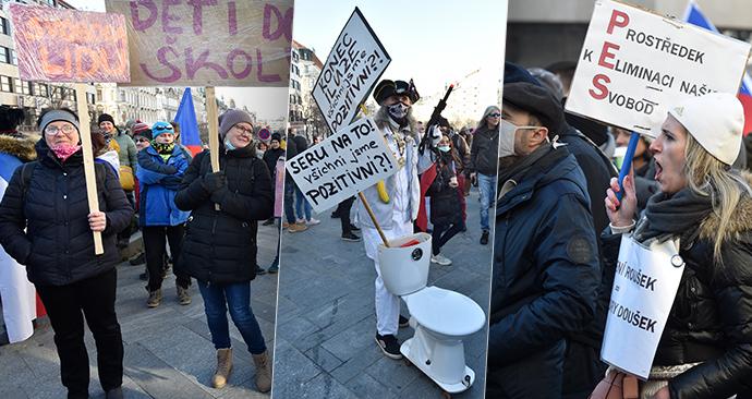 Protest proti vládním opatřením během koronakrize na Václavském náměstí v Praze (31.1.2021)