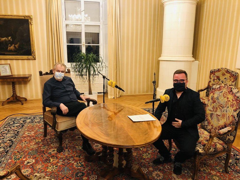 Prezident Miloš Zeman s moderátorem Lubošem Procházkou při rozhovoru pro Frekvenci 1 (31.1.2021)