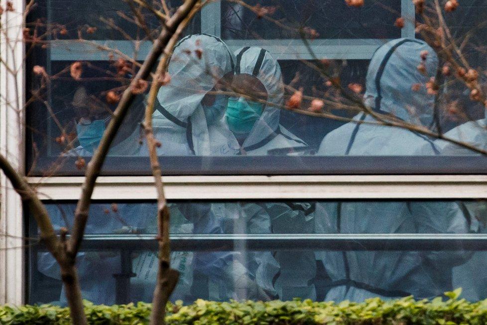 Experti WHO, kteří pátrají po původu koronaviru, navštívili  navštívili Wuchanský institut virologie.