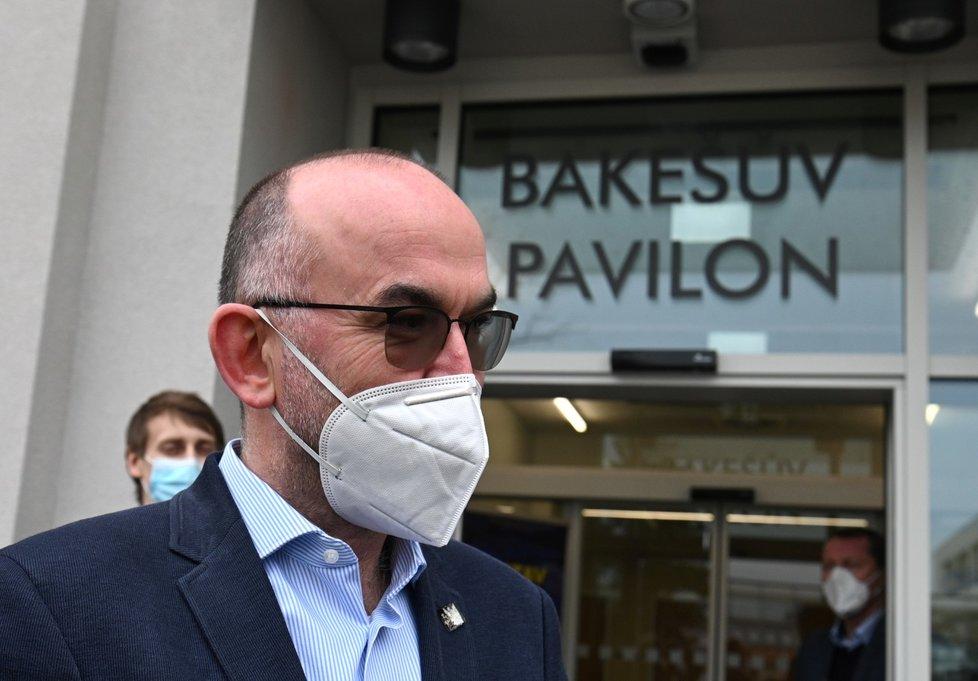 Ministr zdravotnictví Jan Blatný (za ANO) se zúčastnil slavnostního otevření zrekonstruovaného Bakešova pavilonu Masarykova onkologického ústavu Brně (5. 2. 2021)