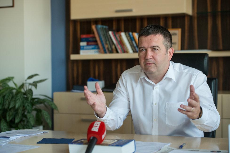 Jan Hamáček při rozhovoru pro Blesk