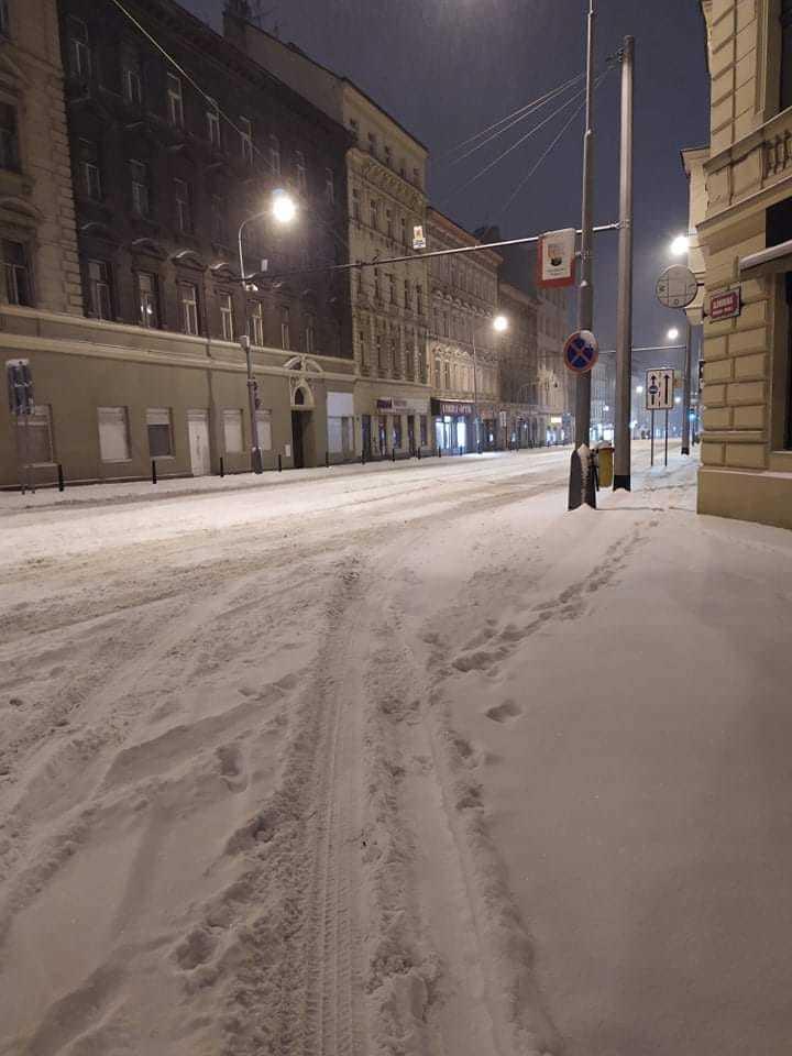 Sníh zasypal Česko, 8. února 2021.