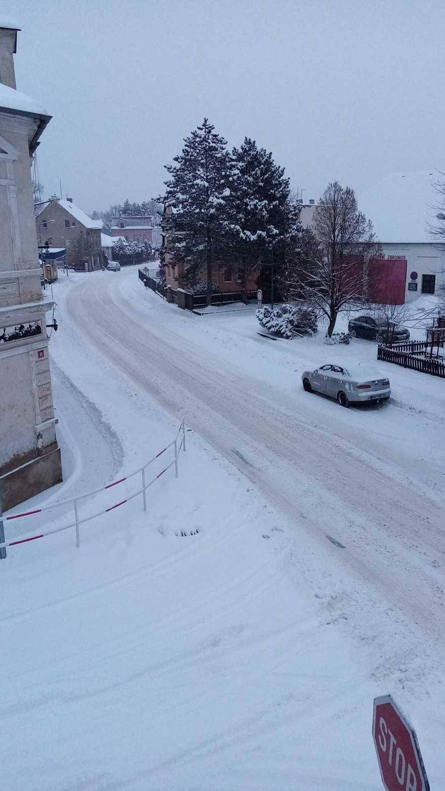 Sníh v Proboštově u Teplic, 8. února 2021.