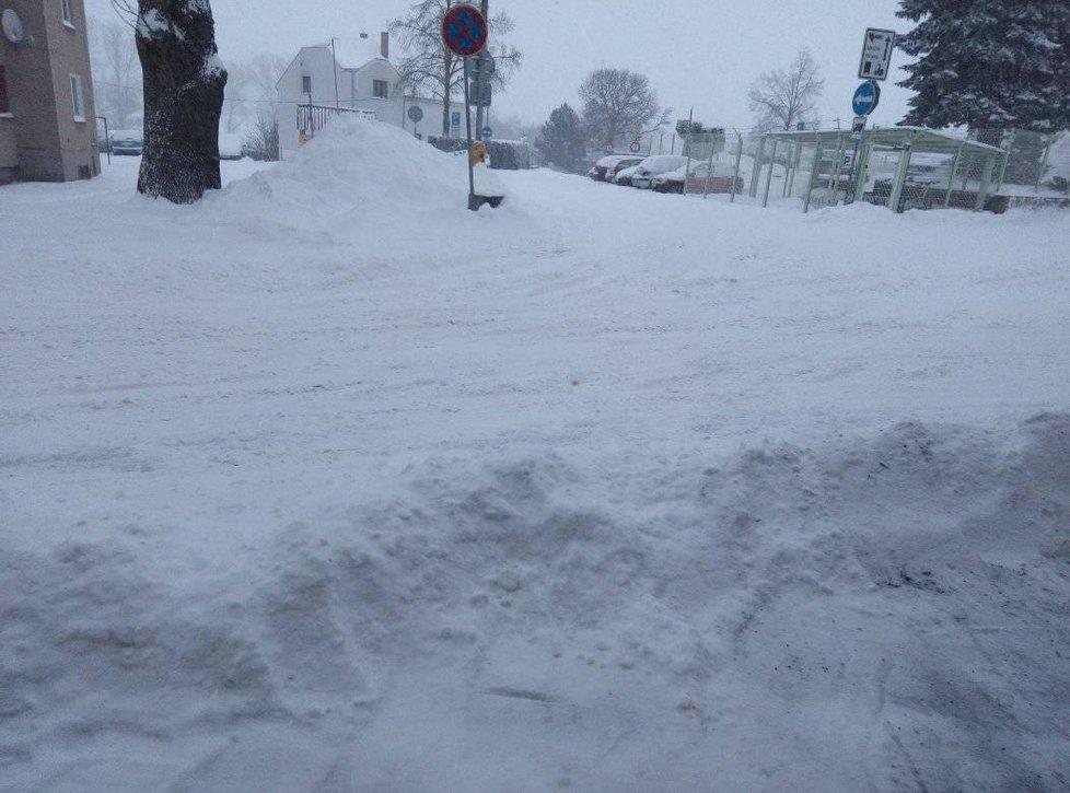 Sníh na Náchodsku, 8. února 2021.