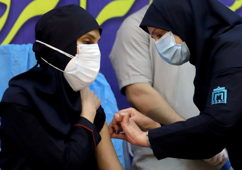 Koronavirus v Íránu: Očkování ruskou vakcínou Sputnik V.