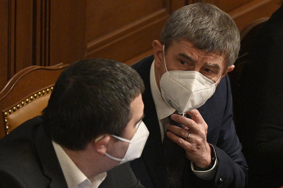 Premiér Babiš a vicepremiér Hamáček ve Sněmovně (11.2.2021)