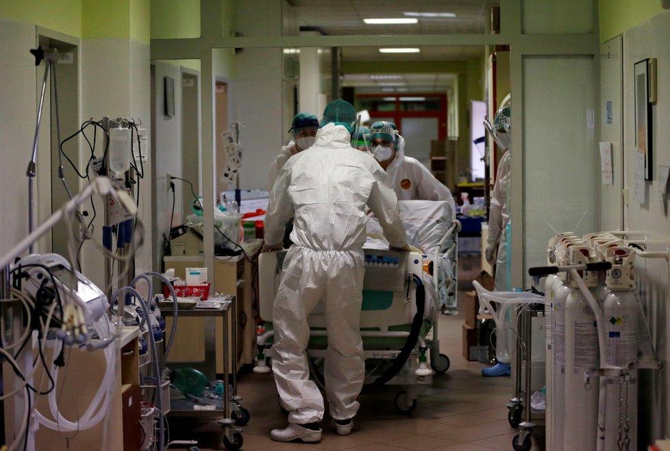 Boj s koronavirem v náchodské nemocnici