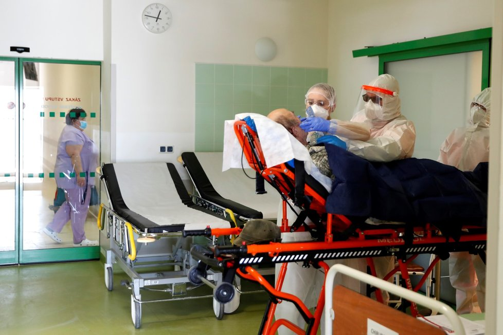 Nemocnice v Chebu je přeplněná pacienty s koronavirem (12. 2. 2021)
