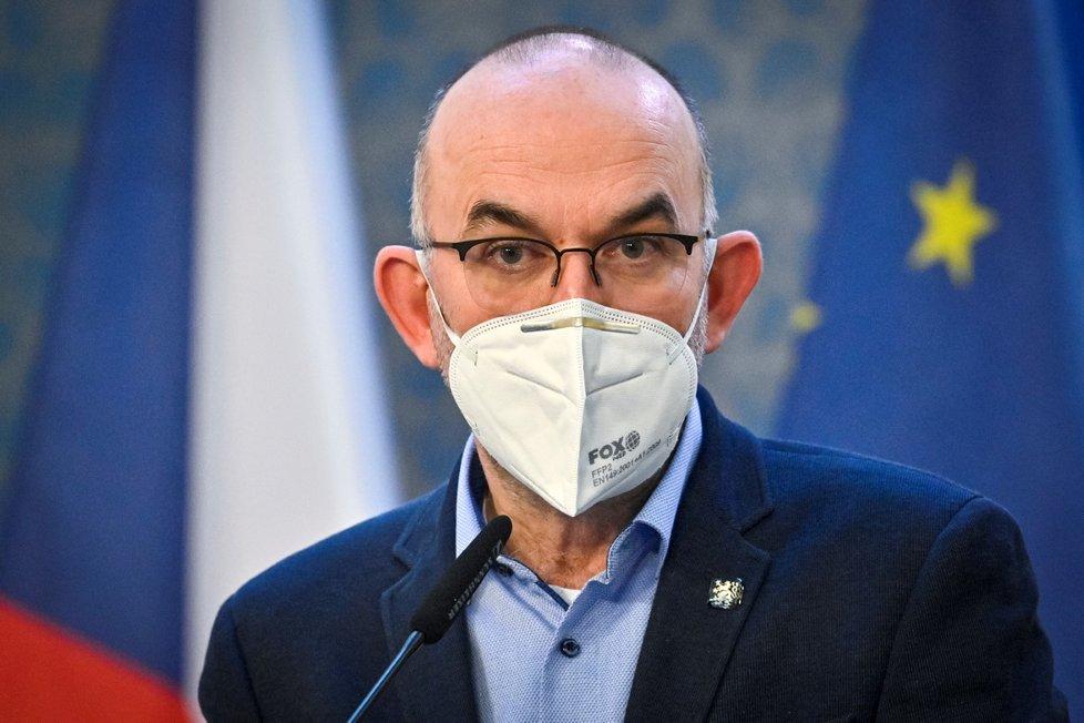 Ministr zdravotnictví Jan Blatný vystoupil v Praze na tiskové konferenci po mimořádném jednání vlády. (19. 2. 2021)