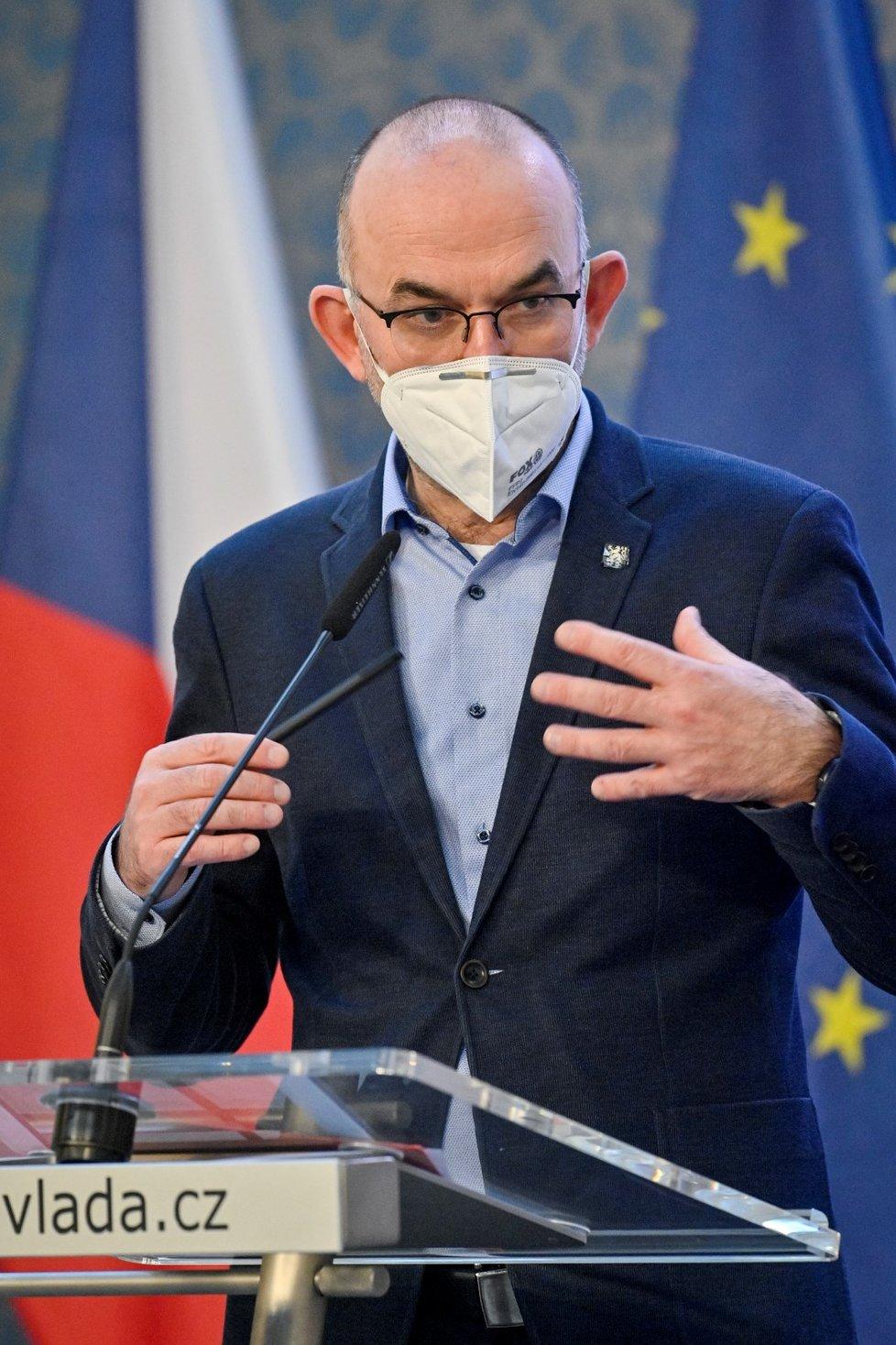 Ministr zdravotnictví Jan Blatný vystoupil v Praze na tiskové konferenci po mimořádném jednání vlády (19. 2. 2021)
