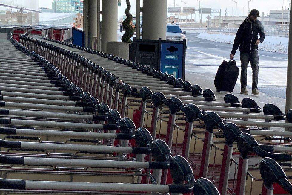 Letiště v Kanadě v době koronaviru