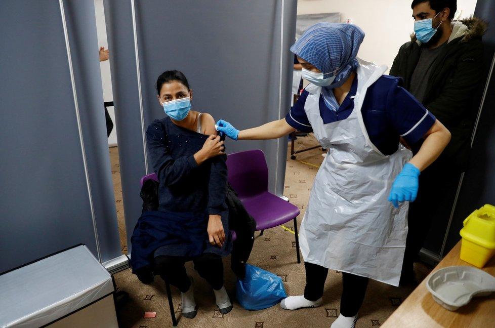 Očkování proti koronaviru ve Velké Británii (25. 2. 2021)