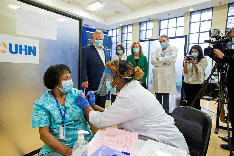 Očkování proti koronaviru v Kanadě