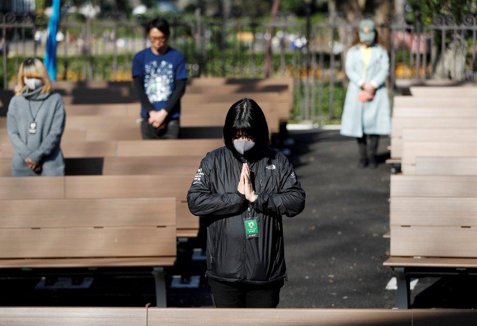 Japonsko si minutou ticha připomnělo oběti zemětřesení a cunami